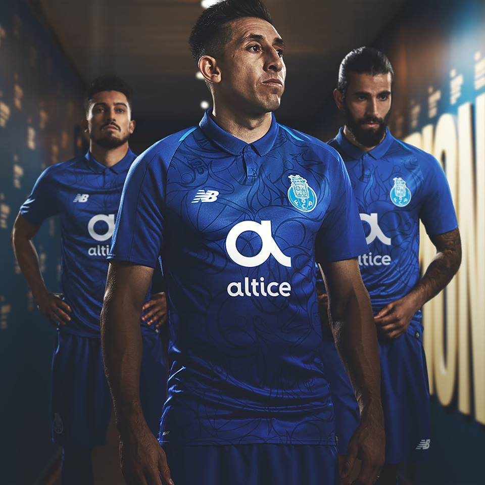 new style 8ef69 a6e4d Street Art in FC Porto's Third Kit